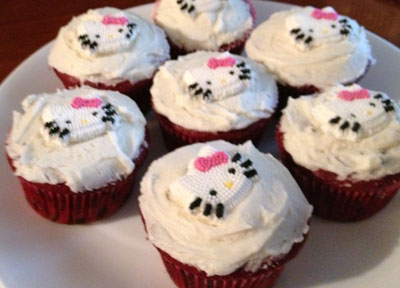 Easy to make Hello Kitty cupcakes